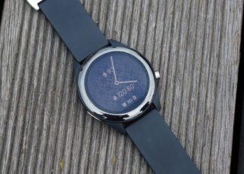 Asus представила часы VivoWatch SP. Они могут измерять давление и делать ЭКГ