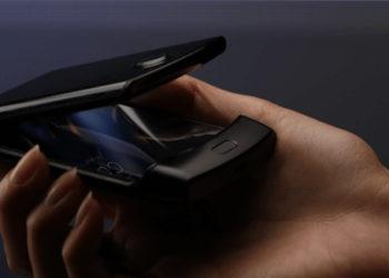 Складной смартфон Motorola RAZR показали на фото. Он очень похож на оригинал из 2000-х