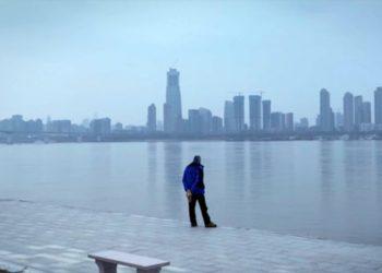 Видео дня: короткометражный фильм из закрытого города Ухань — эпицентра коронавируса