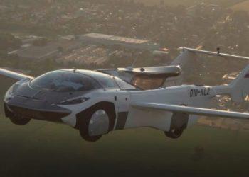 Летающий автомобиль-трансформер AirCar совершил первый полёт между городами