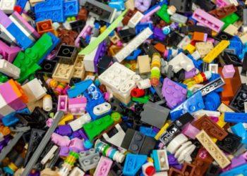 Brickit сканирует детальки Lego и показывает, что можно собрать